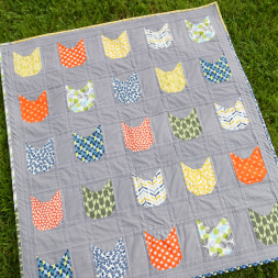 Cat Face Quilt by Pinwheel Cottage Quilts. See more quilts and quilting photos on the blog! www.pinwheelcottage.com