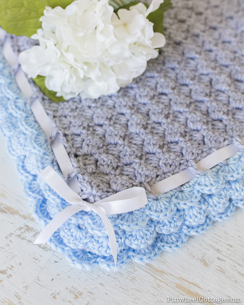 Crochet Baby Blanket with Scalloped Edging-3