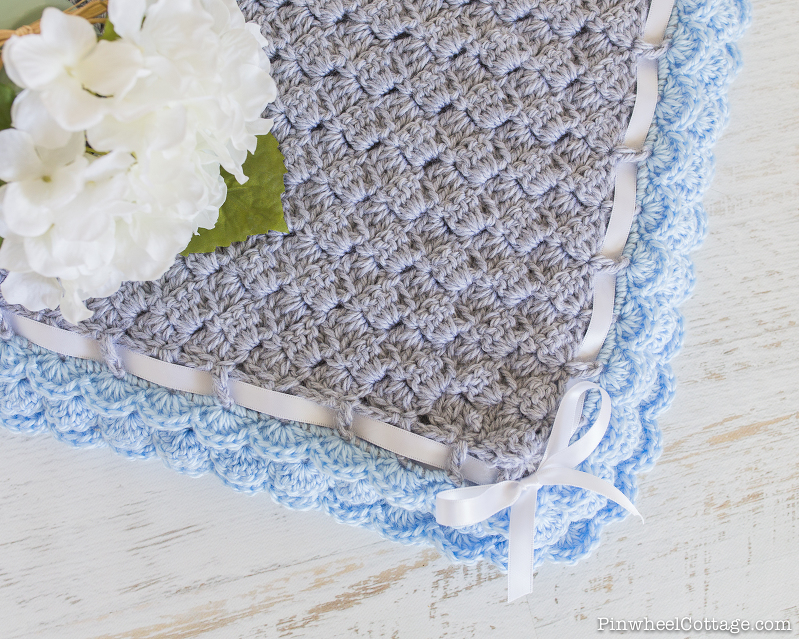 Crochet Baby Blanket with Scalloped Edging-4