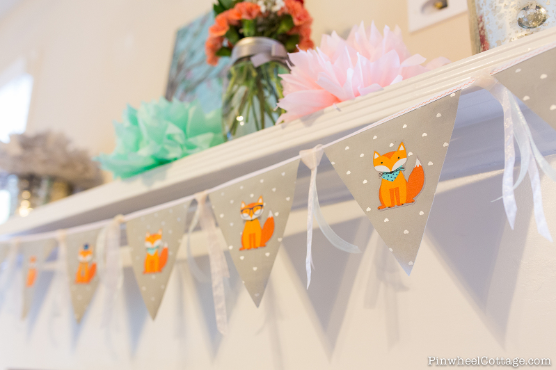 Little Foxes Bunting Banner, bunting banner tutorial, free sewing pattern, how to make bunting banners