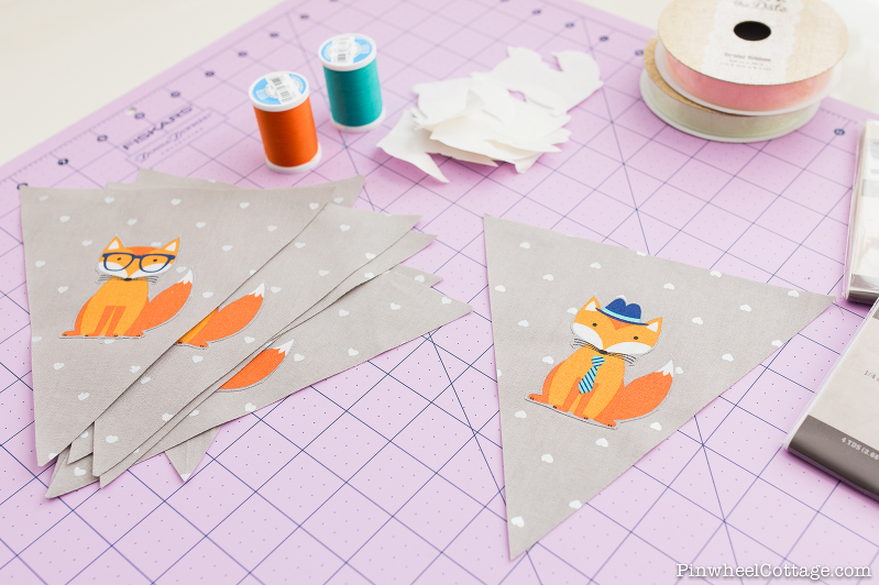 Little Foxes Bunting Banners, Little Foxes Bunting Banner, bunting banner tutorial, free sewing pattern, how to make bunting banners