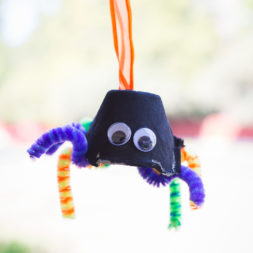 halloween egg carton crafts, ghosts & spiders using egg carton, halloween tissue paper crafts, diy halloween crafts, diy spider, diy tissue paper ghosts, pipe cleaner crafts, halloween crafts for kids