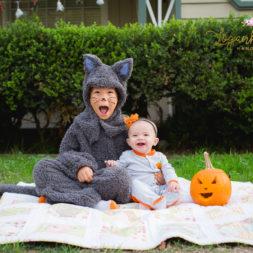 family halloween photos, diy cat costume, baby's first halloween, my first halloween, halloween photography, halloween themed photo shoot