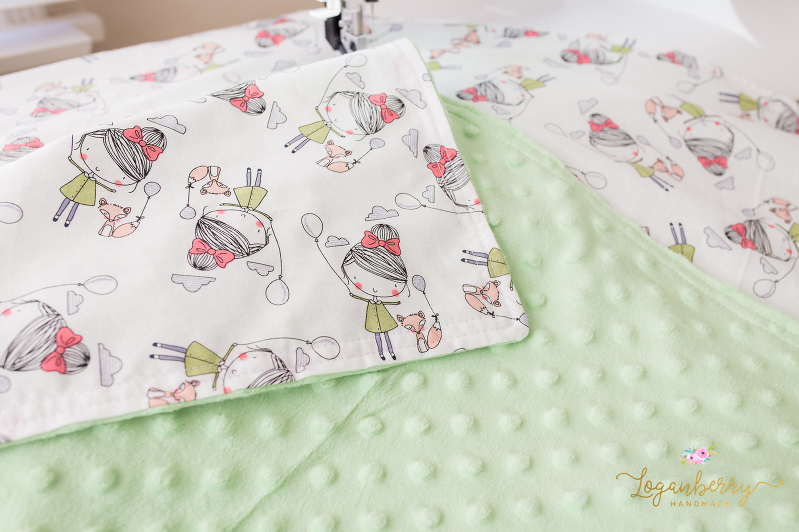 minky baby blanket sewing tutorial, free sewing pattern, minky blanket, faux fur baby blanket, diy baby blanket, how to sew a baby blanket, easy baby blanket, fox fabric, girl and balloon fabric, girl and fox fabric