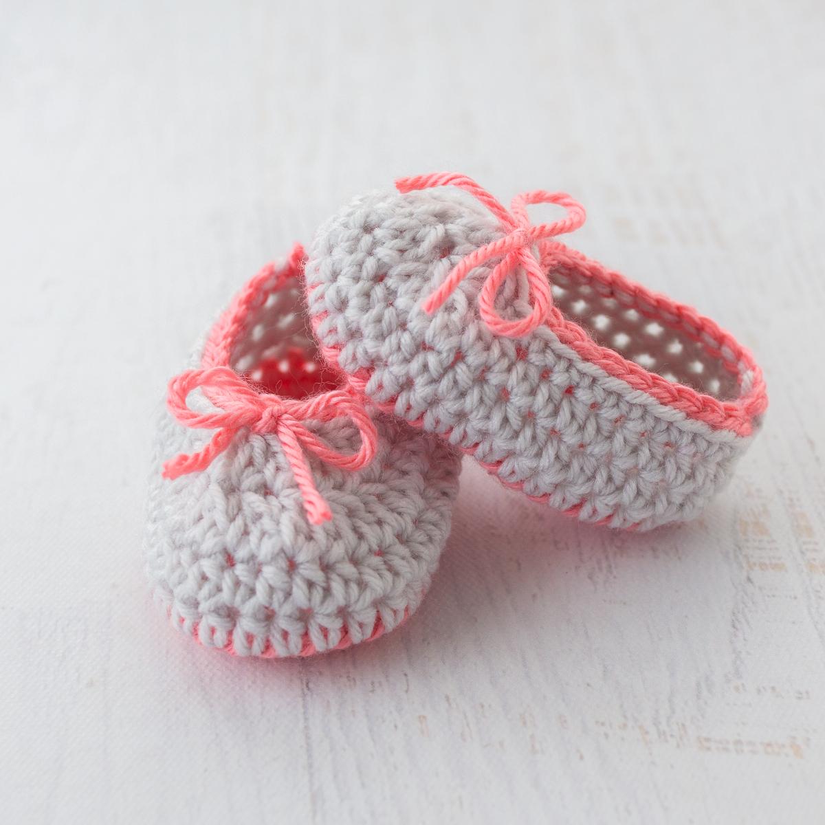 Neon Trim Baby Slippers Free Crochet Pattern