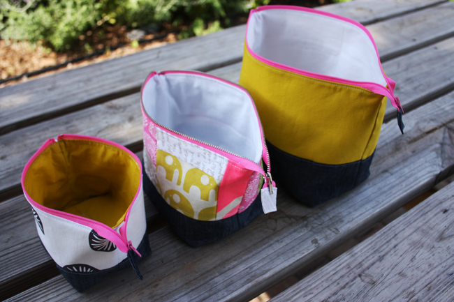 Wide-Mouth Zipper Bag Tutorial + Free Sewing Pattern, DIY, patchwork zipper bag, make-up bag, travel bag, easy sewing projects
