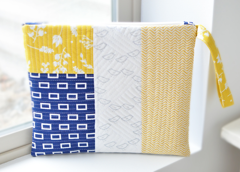 Large Zipper Bag Tutorial + Free Sewing Pattern, DIY, patchwork zipper bag, make-up bag, travel bag, easy sewing projects