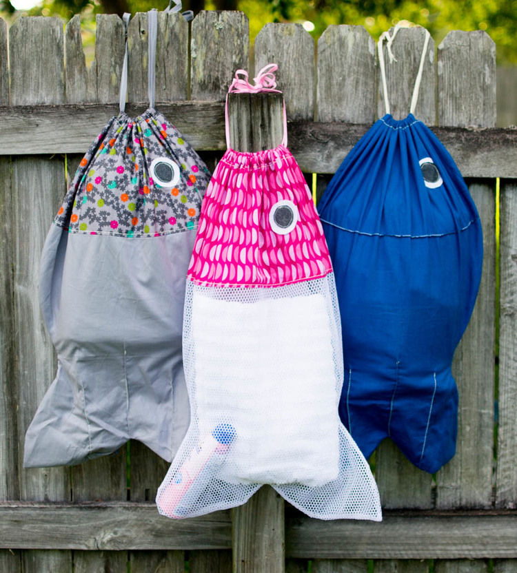 12 Sewing Projects for Summer Fun! + Free patterns + Tutorial, fish hand bag, laundry bag, animal bags for kids, fish backpack